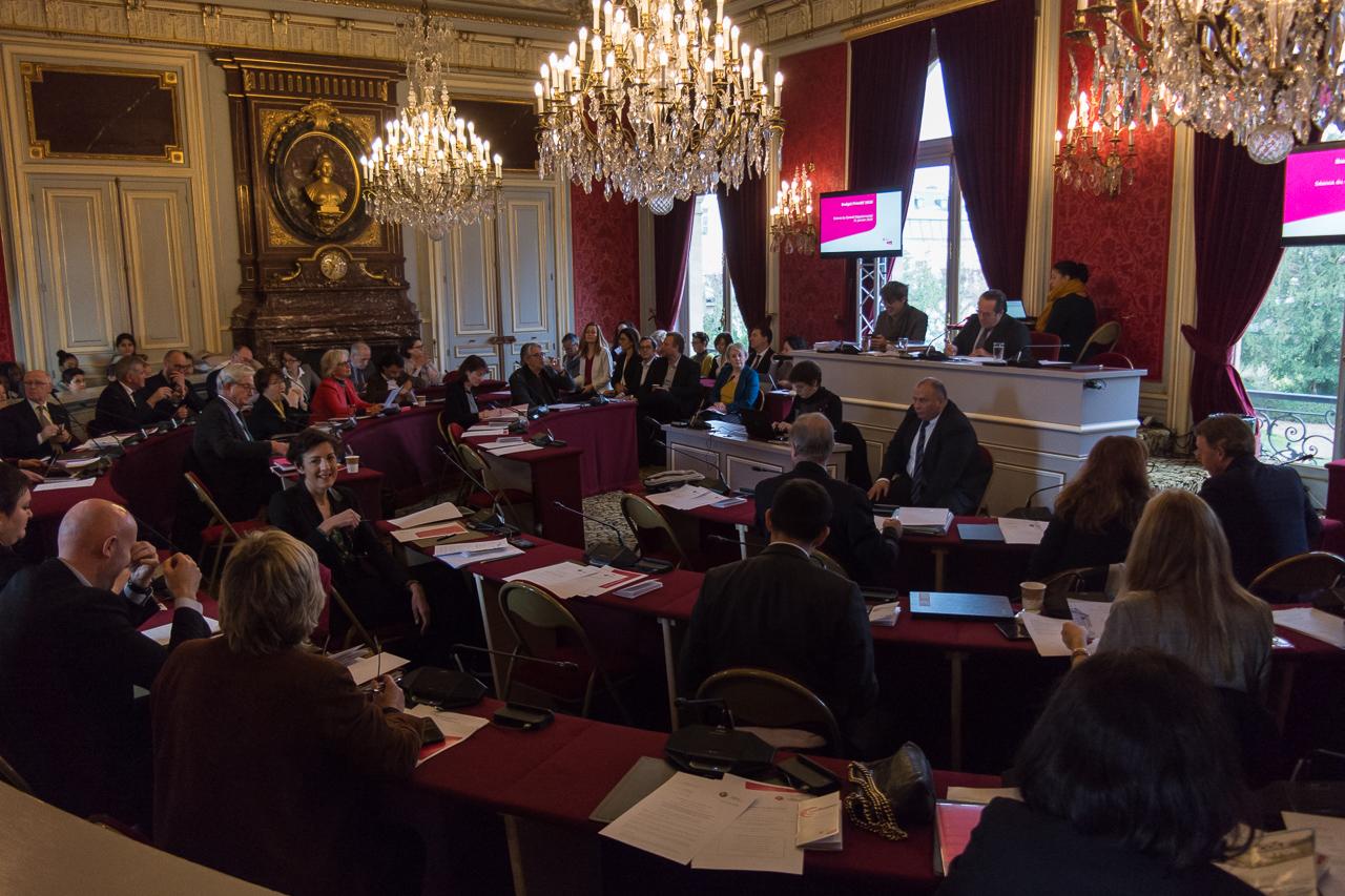 1280-Versailles-conseil-départemental-CD-seance-budget-baisse-impot-taxe-foncier-bati-66.jpg