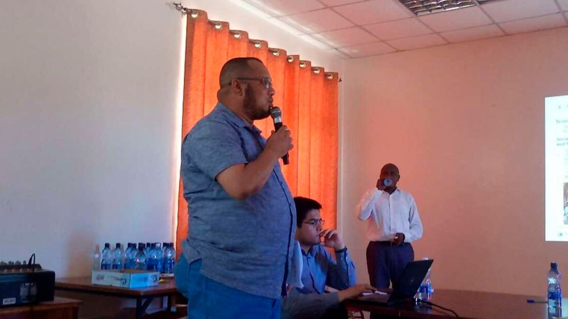 Lamu leaders during a meeting on Lokichar to Lamu crude oil pipeline project. FILE PHOTO   NMG