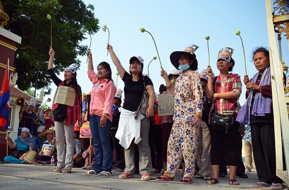 Walther Tjon Pian Gi, 2013 Protest rally in Phnom Penh