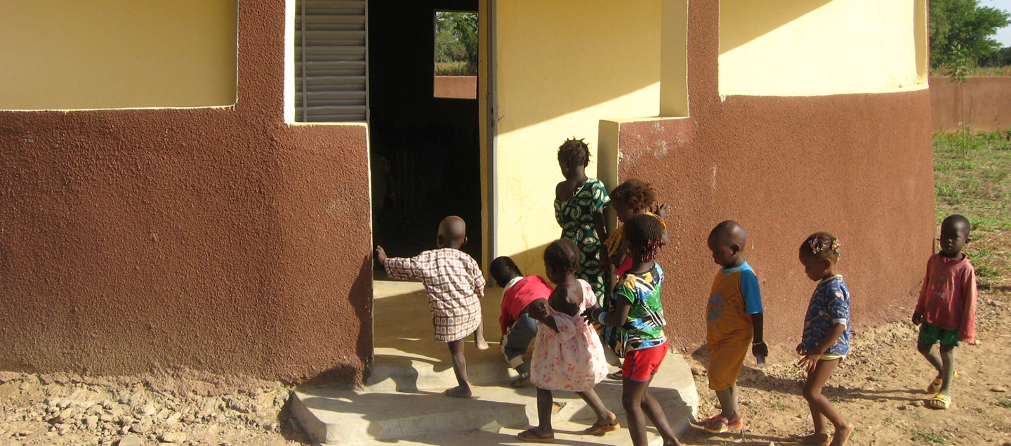 mali-baroueli-follow-the-journey-children-are-going-in-one-of-the-new-ECCDs_LG.jpg