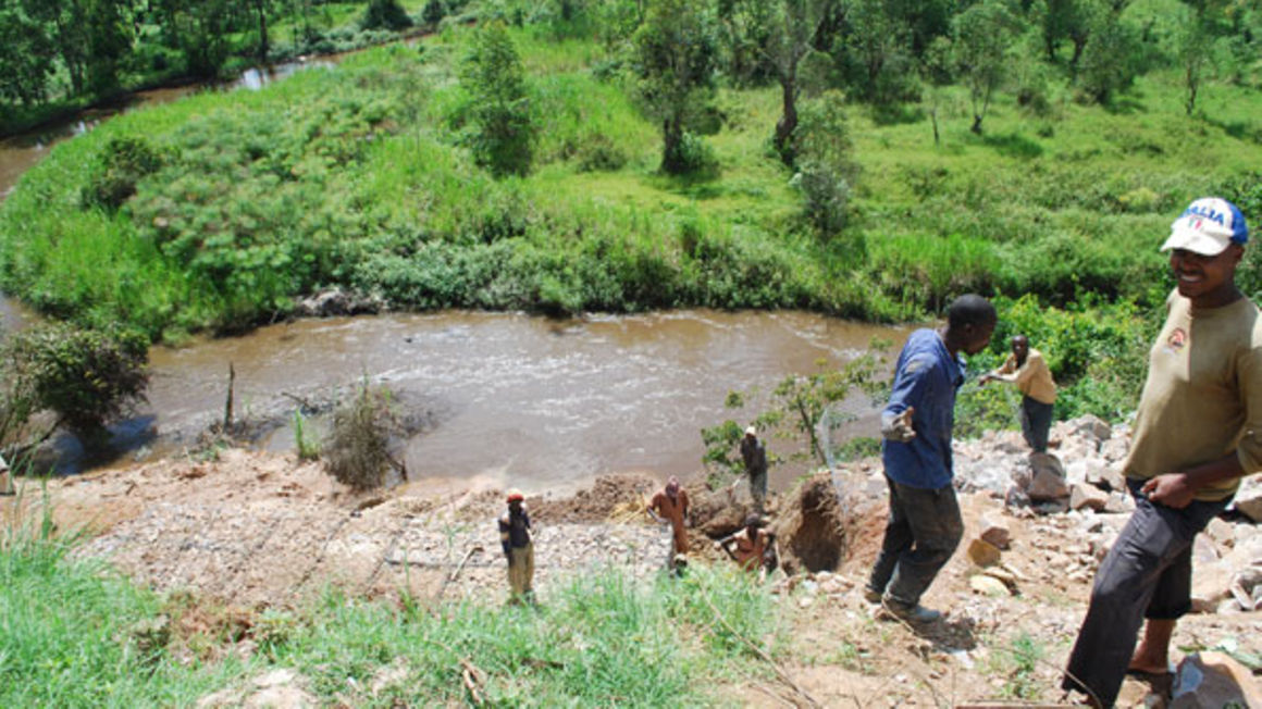 The river is currently drying up and the water levels gradually dropping thus turning into a shallow stream which can even be crossed on foot. PHOTO/COLLEB MUGUME