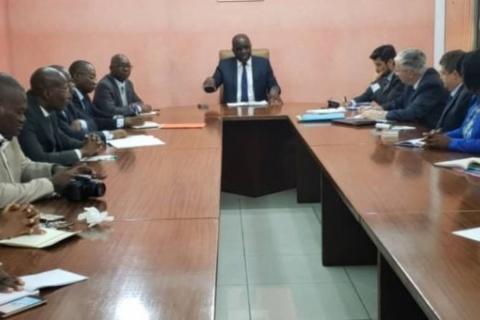 Réunion-au-ministère-de-lHabitat-avec-les-experts-du-FMI-le-8-mai-dernier-696x340.jpg