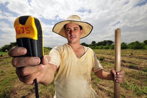 Colombia farmer GPS