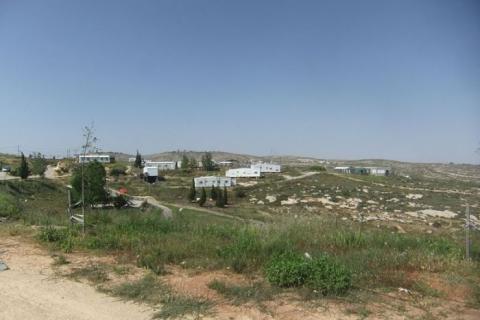 """""""L'implantation israélienne d'Amona près de Ramallah en Cisjordanie"""" @WikiCommons / Yaakov Droits réservés"""