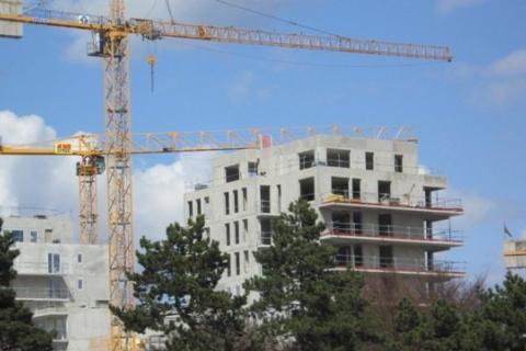 Immeuble_en_construction_Port_du_Rhin0.JPG
