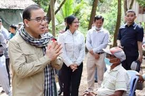 Minister wants team effort to protect forests_Phnom Penh Post