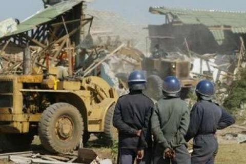 Demolition crews destroy property during Operation Murambatsvina, Zimbabwe