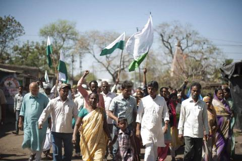 Jan Satyagraha: Rajagopal leads a procession Photo courtesy of Christian Aid/Flickr