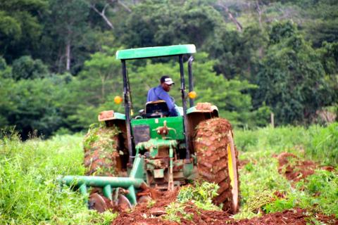 agriculture-mecanisation-en-afrique_philippe-de-moerloose-sdiag_photo-2.jpg
