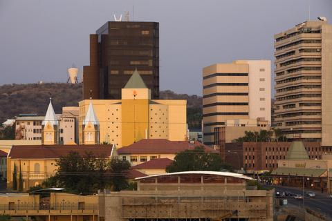 The capital city of Namibia is Windhoek, it is also the largest centre in the country at the end of a work day. Photo: © John Hogg/World Bank