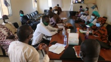 A meeting between IED Afrique, the Mbadakhoune municipal team and local representatives (Photo: copyright Ibrahima Dia/IED Afrique)